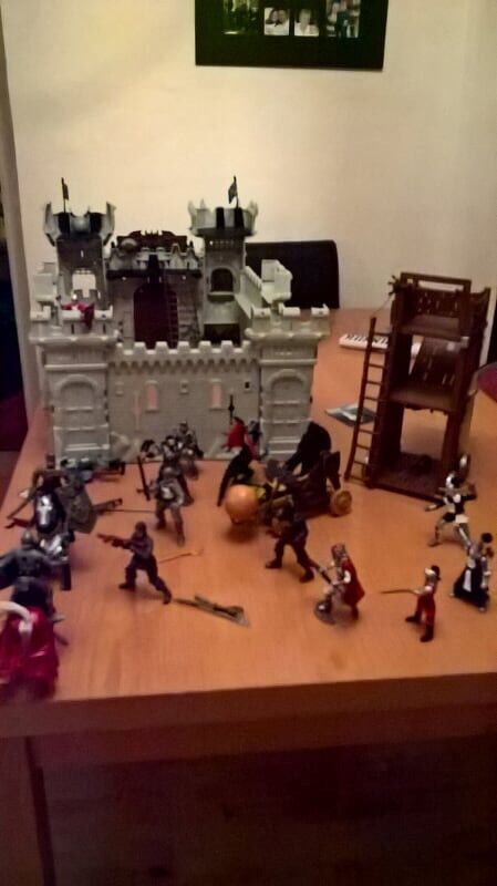 Knight's Castle and figures etc