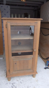 2 matching solid wood cabinets in exc cond
