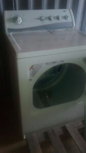 delivered Newer electric dryer Amana $150 delivered in Cambridge Cambridge Kitchener Area image 2