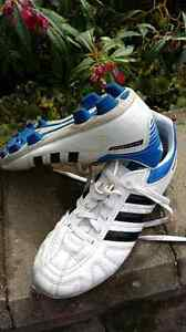 Size 6 US  men's Adidas soccer cleats