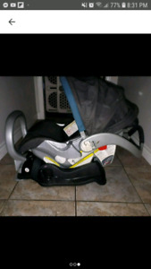 Baby trend carseat and base