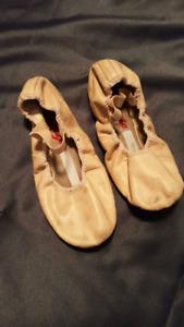 Capezio pink ballet slippers