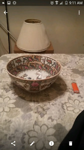 GEORDIOUS CHINESE HAND PAINTED BOWL