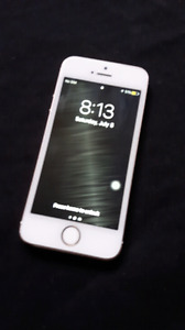 IPhone 5S, 16GB, with Bell/Virgin (no lock button)