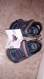 brand new with tag baby sandals size 3 Kitchener / Waterloo Kitchener Area image 2