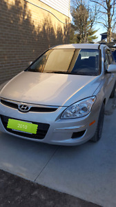 2010 Hyundai Elantra Touring MINT LOW, LOW KMS!