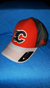 Calgary Flames Adidas Full Back Hockey Hat BRAND NEW