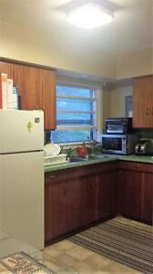 2 Bed Apt, Deep River *CNL and DND welcome*