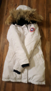 Women's authentic Canada Goose parka