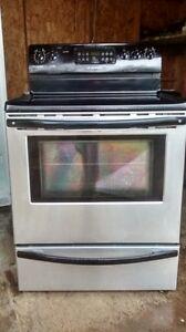 cuisiniere en standless,vitrocéramic,four autonétoyan,convection