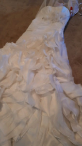 Maggie Sottero Wedding Dress - Size 2