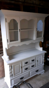 China Cabinet Buffet and Hutch