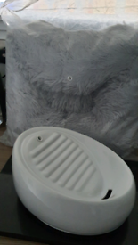 Cat/small dog beds and pet drinking fountain
