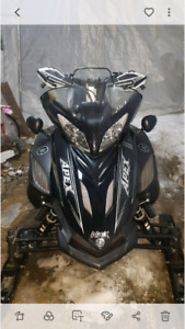 "Yamaha apex 2006 suspension artic cat 141"" 30 000km"