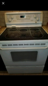 Whirlpool Gold Stove - Must Go