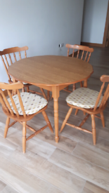 Round Table and solid Chairs