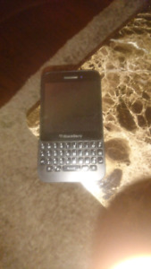 Blackberry Q5 Unlocked $50 firm
