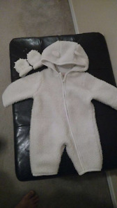 0-3 month warm hodded outfit / onsie