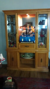 China Display Cabinet with 5 glass shelves & Display light.