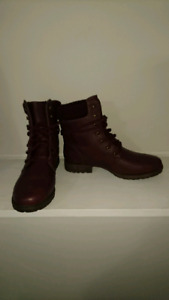 Size 9 maroon boot