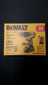 DeWalt 20 Volt Brushless Drill Set