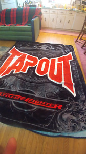Huge like new tapout blanket