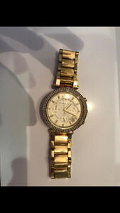 ***MICHAEL KORS GOLD WATCH IN PERFECT CONDITION***