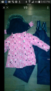 Osh Kosh size 2T snow suit excellent condition