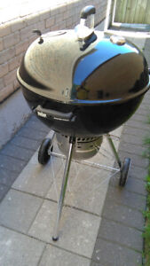 """Weber 22"""" Master-Touch Charcoal BBQ in BLACK - Light Use"""
