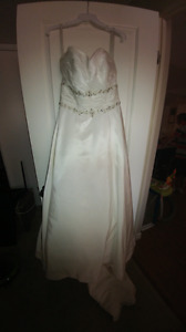 Brand new Alfred Angelo diamond white wedding dress
