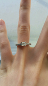 "18k white gold ""Polar Ice"" Canadian diamond engagement ring"
