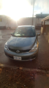 2012 nissan versa hatch back