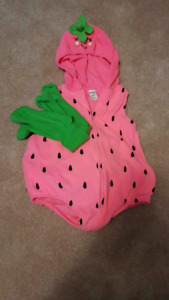 24mo strawberry costume EUC