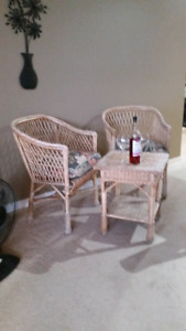 TABLE & CHAIRS From SASK WILLOW TREES
