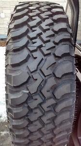 Un (1) pneu LT 255/75/R17