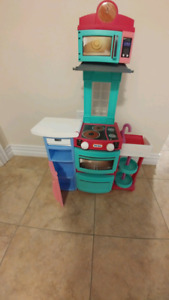 Little tikes kitchen and accessories
