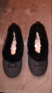 Women's Uggs shoes/slippers thirty dollars
