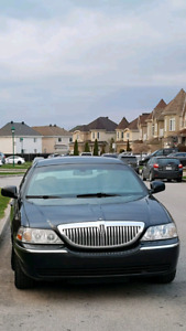 Lincoln town car 2010 automatique  Prix 3000$