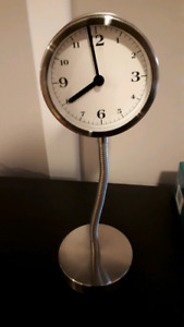 Desk clock/mirror