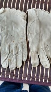 Vintage Women's White Leather Gloves