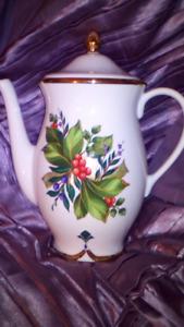 Princess House - Winter Garden coffee server
