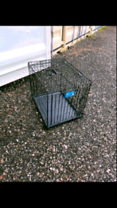Metal cage for travelling pets