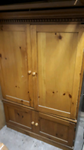 Solid cabinet hutch display with tv