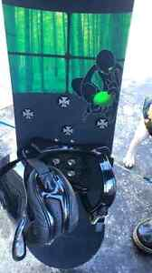 Arbor snow board , bindings , carry case and boots size 12  Cambridge Kitchener Area image 4