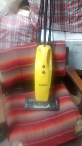 Mini aspirateur Eureka