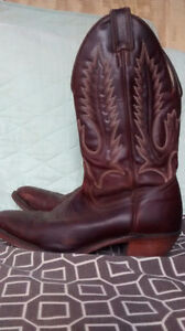 Like New BOULET COWBOY BOOTS ONLY $80