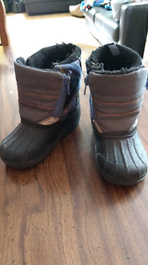 Weather Spirits Boys Size 7 Winter Boots