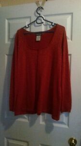 Red with metalic thread sweater 1x