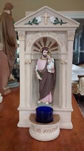 Statue et porte lampion Joseph ou Jésus sur la croix