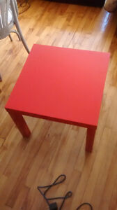 Table basse  Ikea rouge
